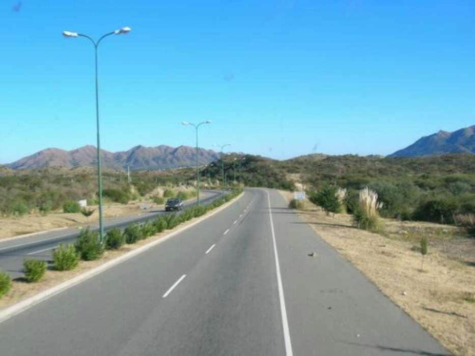 Terreno en San Luis 1200 M2, Servicios