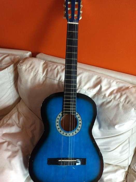 Vendo Guitarra Le Falta Una Cuerda