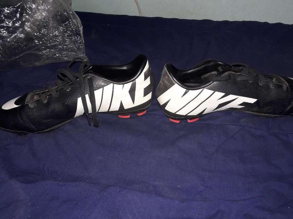Vendo Botines Nike (originales)