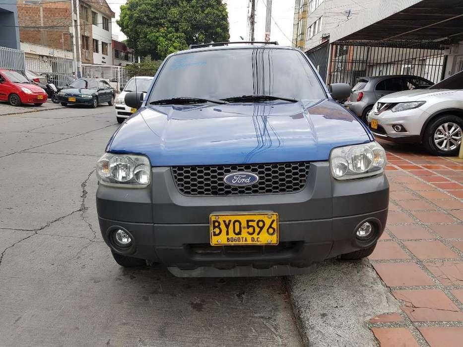 Ford Escape 2007 - 155000 km