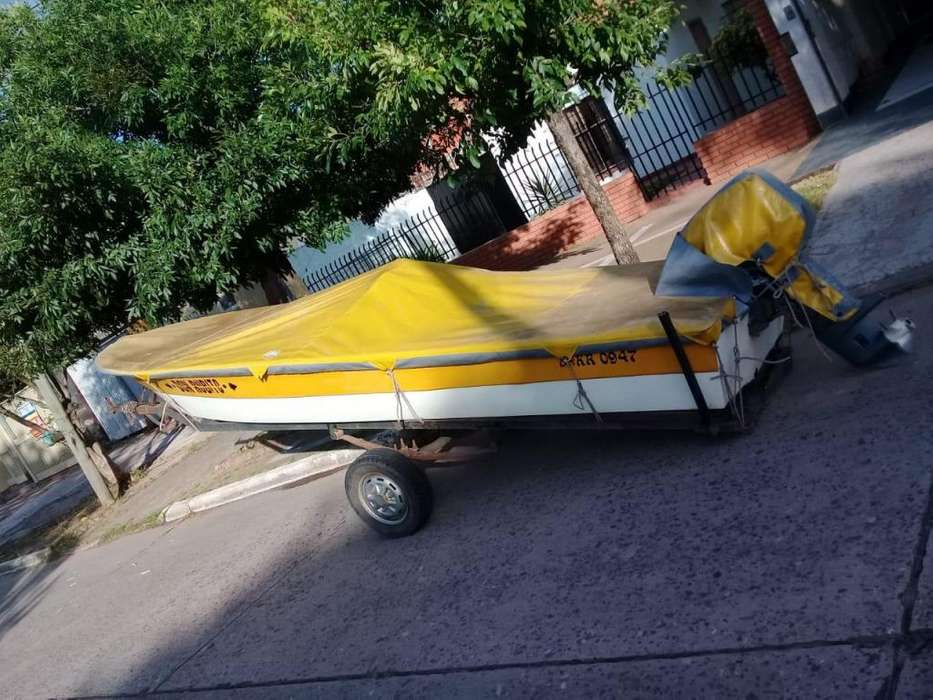 Lancha impecable, equipo completo yamaha 25 hp 2t. todo 2010
