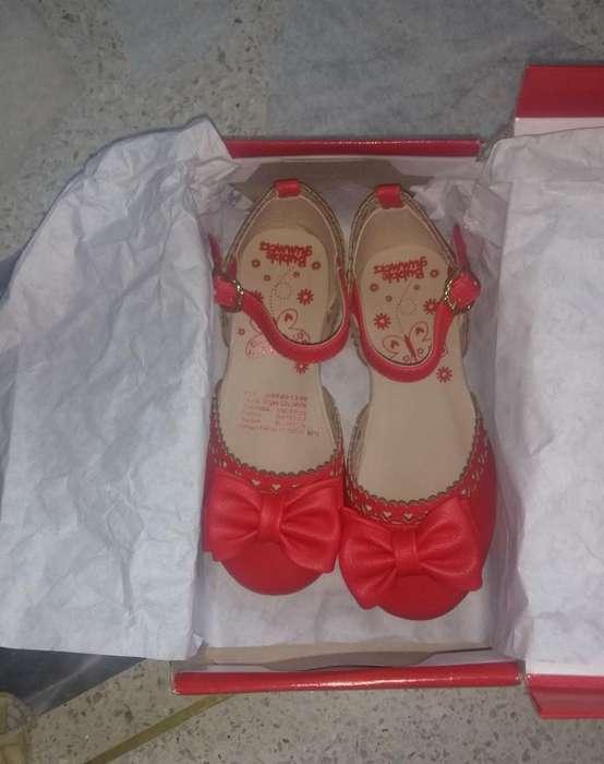 Vendo Zapatos para Niña Talla 25 Nuevos