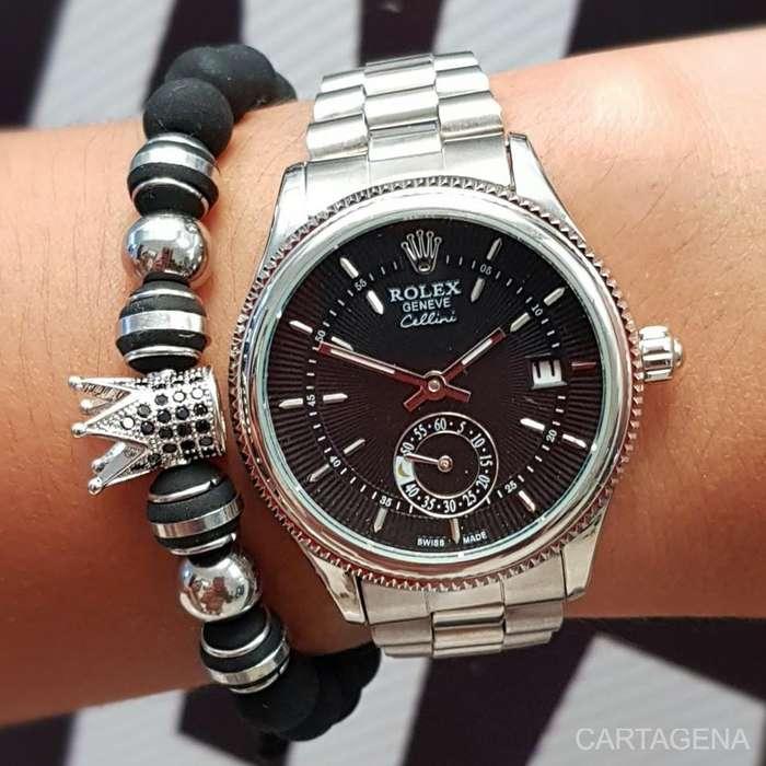 Se vende Rolex cronografo para mujer en color plateado