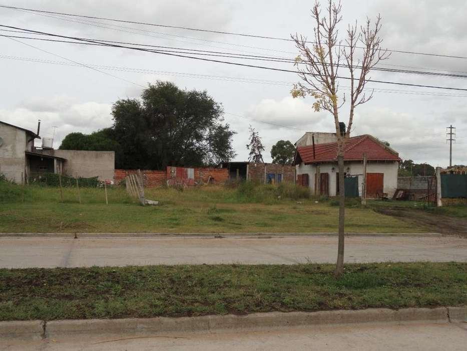 Lote de 200 mts2 s/Av. Rivadavia