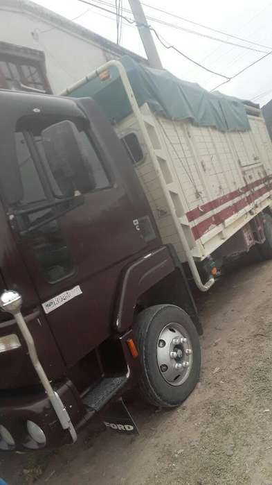 Vendo Ford Cargo 915