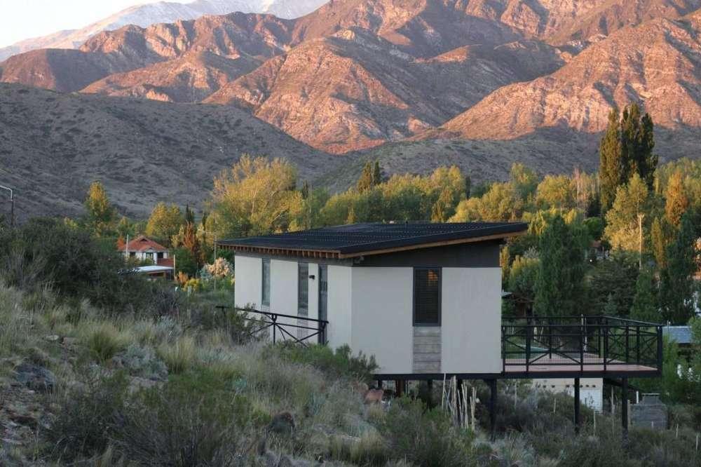 zo14 - Cabaña para 2 a 5 personas con cochera en Potrerillos