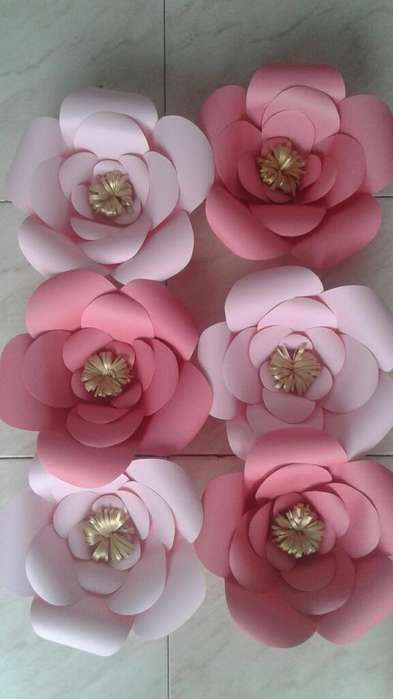 Preciosas Flores en Papel Gigantes