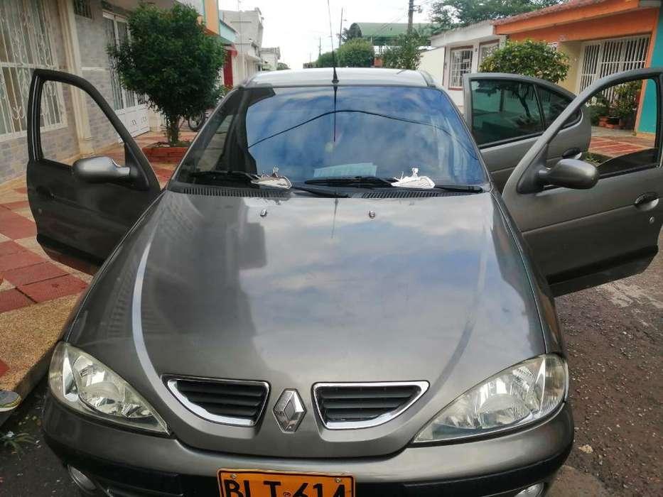 Renault Megane  2002 - 2211422 km
