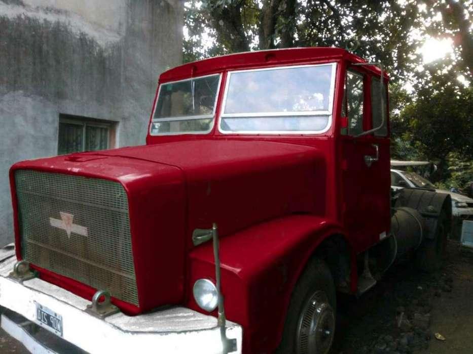 Camión Siam Aclo