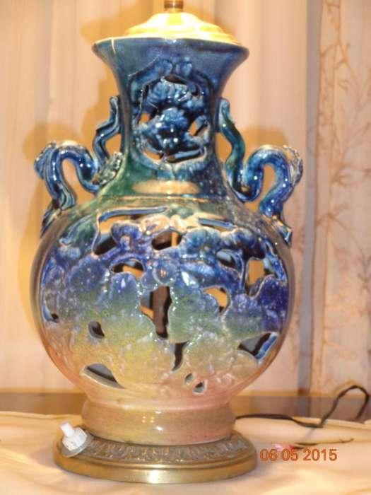 BONITA LAMPARA MESA CALADA <strong>ceramica</strong> Y BRONCE MACIZO