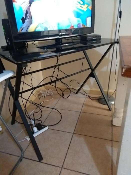 <strong>escritorio</strong> /mesa Vidrio Negra