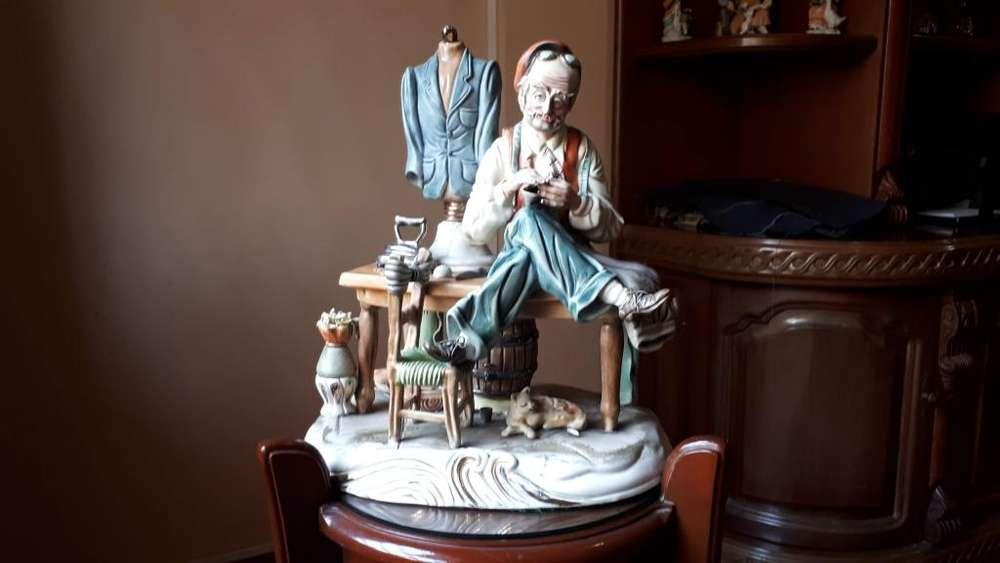 Porcelana Original Capo Di Monte en buen estado