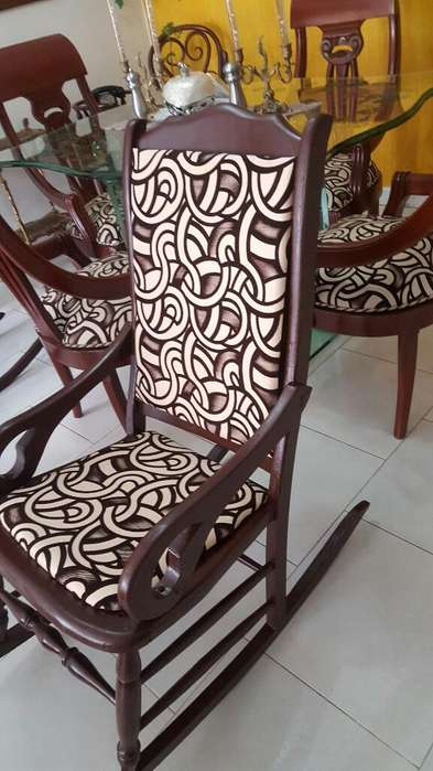 Vendo Linda <strong>silla</strong> Mecedora Tapizada