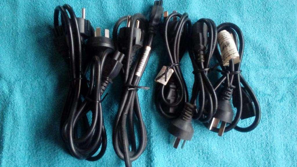 Lote de 3 Cables Power y 3 cables trébol Nuevos