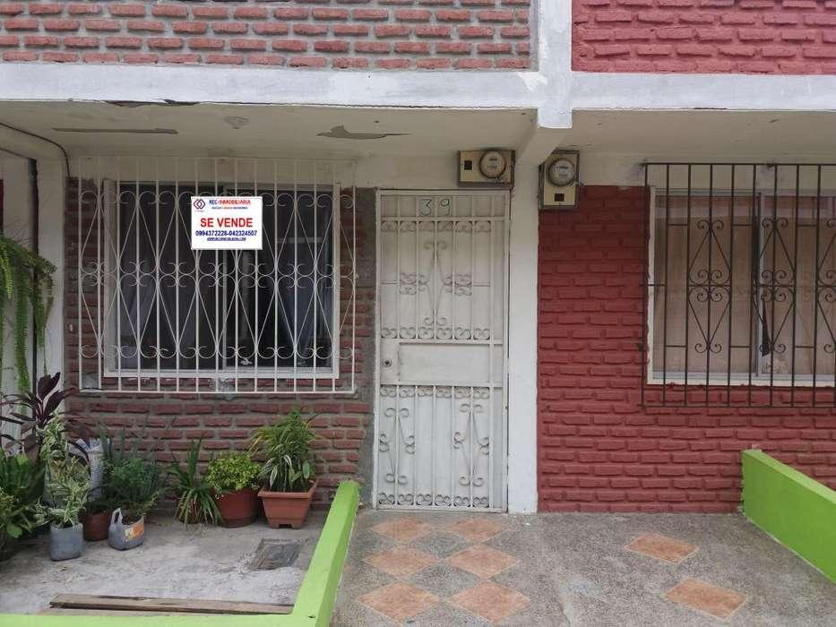 Cod# 217 Venta de Casa en Beata Mercedes Molina, Via Daule