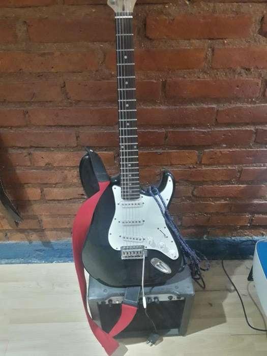 Vendo Guitarra Stratocaster Accesorios