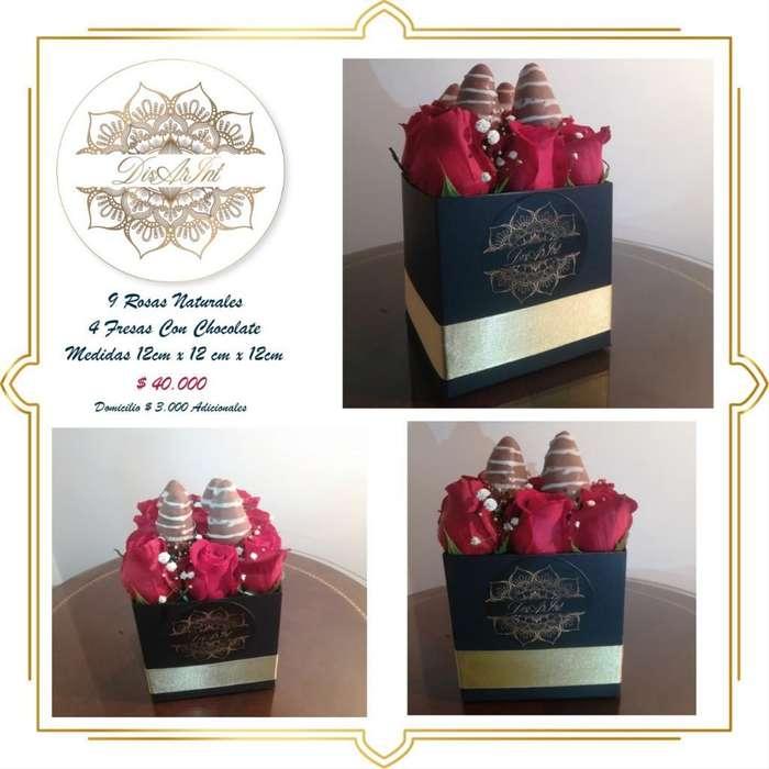 Caja Rosa Natural Y Fresas con Chocolate