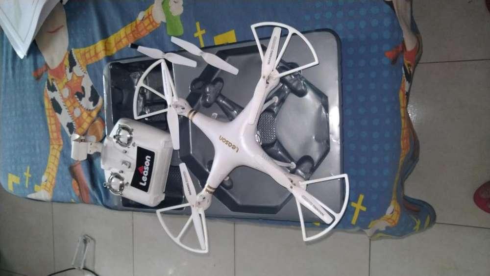 DRON lEASON CON CAMARA