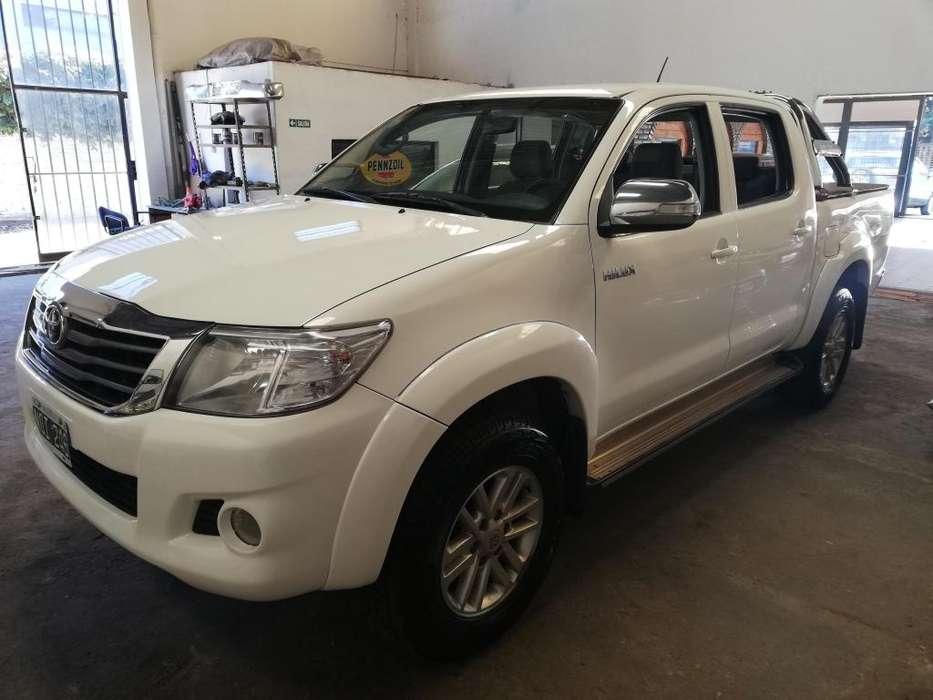 Toyota Hilux 2014 - 150000 km