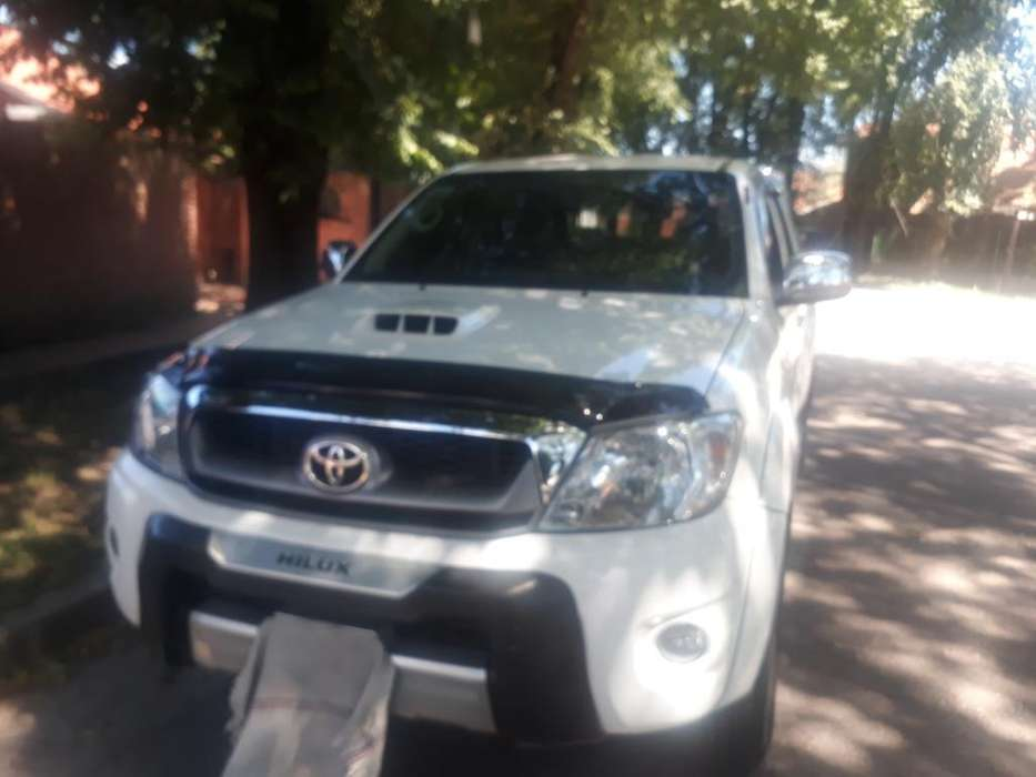 <strong>toyota</strong> Hilux 2011 - 0 km