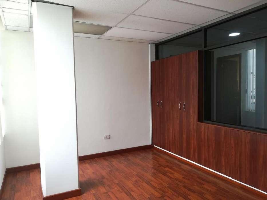 Oficina en alquiler 52 m² Sector Amazonas y Colon