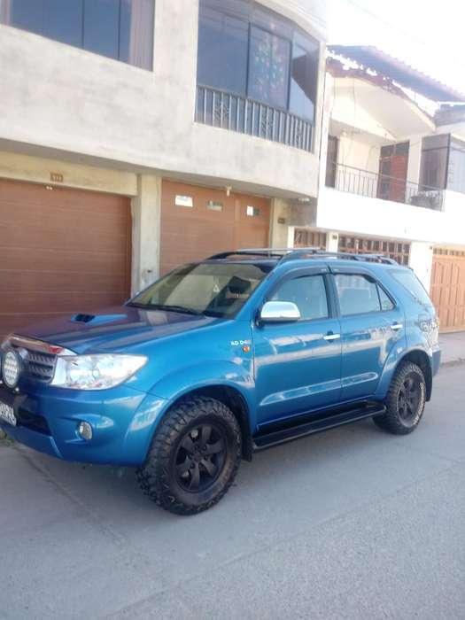 Toyota Fortuner 2011 - 85500 km