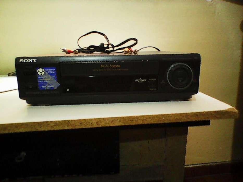 VHS Sony Trilogic con Hi-Fi Stereo