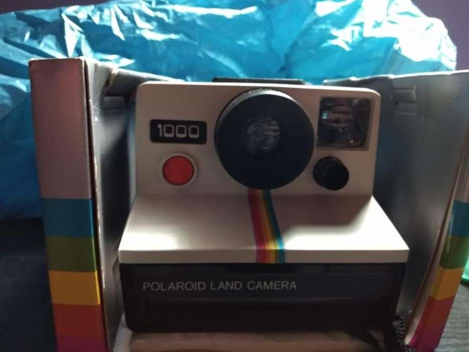 vendo camara polaroid 1000