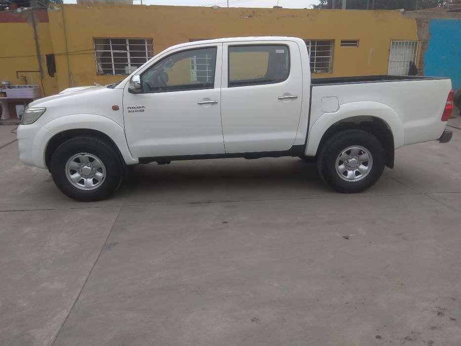 Toyota Hilux 2015 - 7000 km