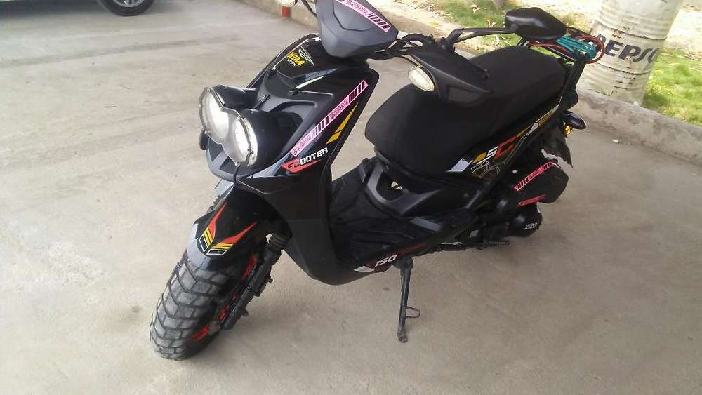 Vendo Linda <strong>motoneta</strong>
