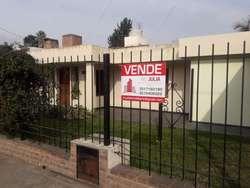 Barrio Matienzo.Casa principal con otra secundaria. Oportunidad