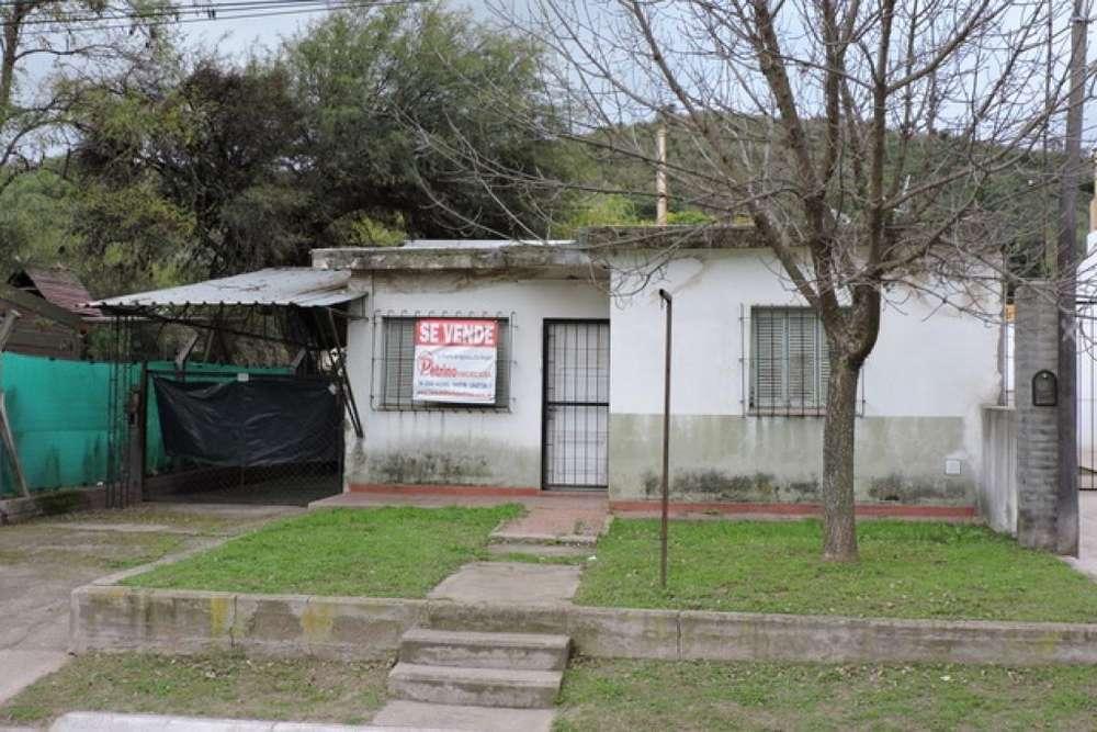 Vendo Casa con amplio terreno. Dique Cruz de Piedra. S. Luis