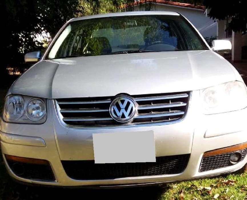 Volkswagen Bora 2011 - 215000 km