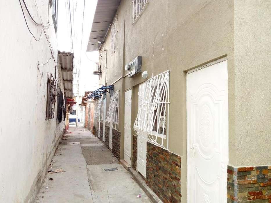 Venta de Casa Rentera en Cdla. Alborada Cuarta Etapa Cerca de C.C. Plaza Mayor