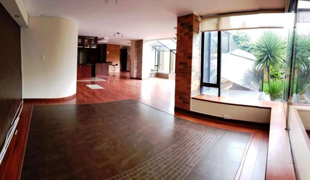 Amplio departamento <strong>duplex</strong> - Dos dormitorios - Sector Bella vista