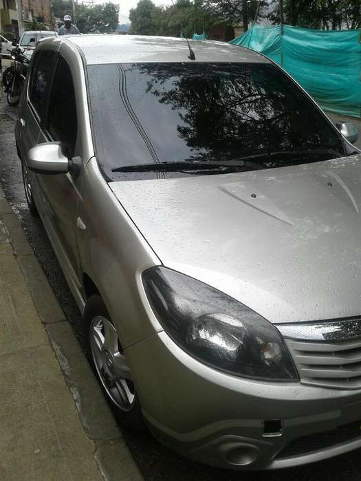 Renault Sandero 2011 - 152000 km