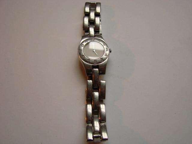Baume Mercier Reloj Dama Acero Cuarzo Cristal Zafiro Artículo usado