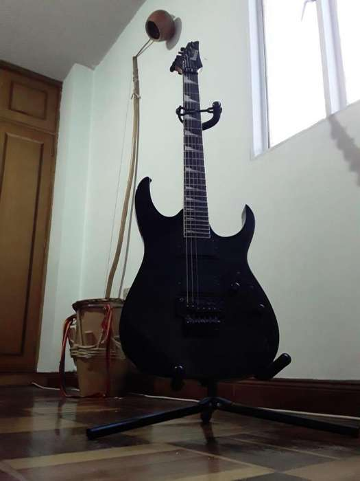 <strong>guitarra</strong> Ibanez Gio y Amolificador