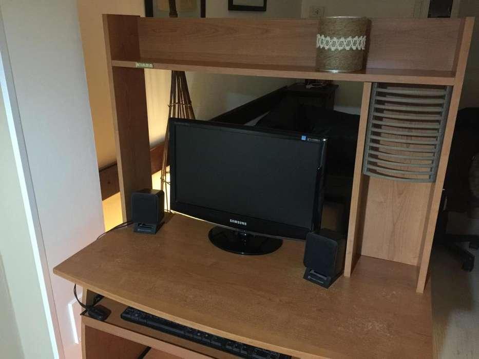 <strong>escritorio</strong> con la silla! Excelente estado!