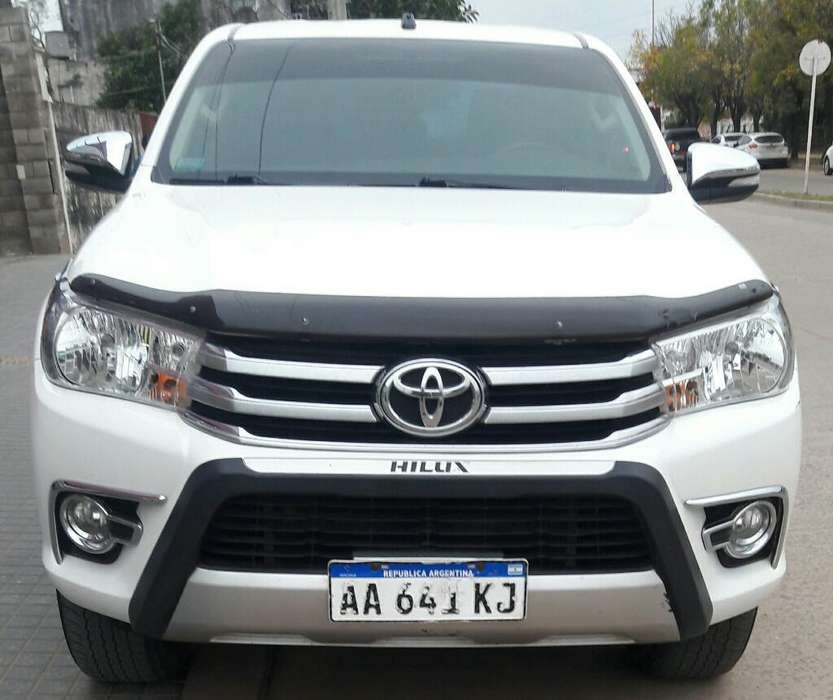 Toyota Hilux 2016 - 110000 km
