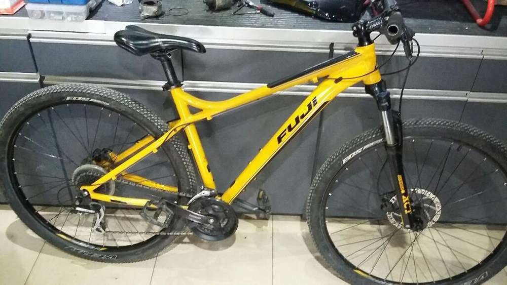 Bicicleta Fuji Nevada 1.7-rod 29 2018