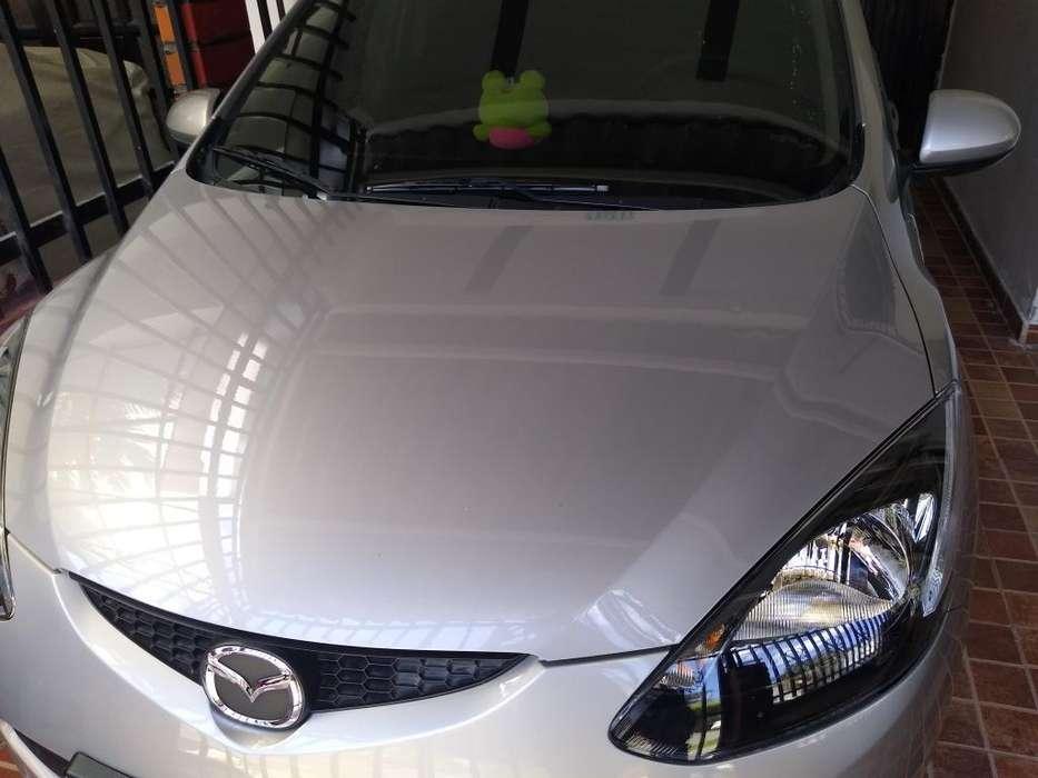 Mazda 2 2011 - 77100 km