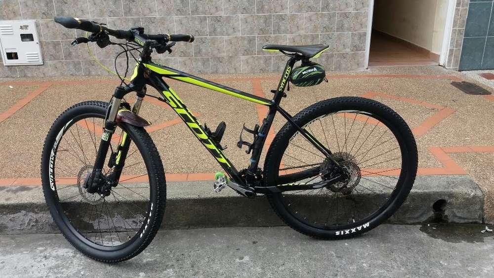 Hermosa Bicicleta Escot