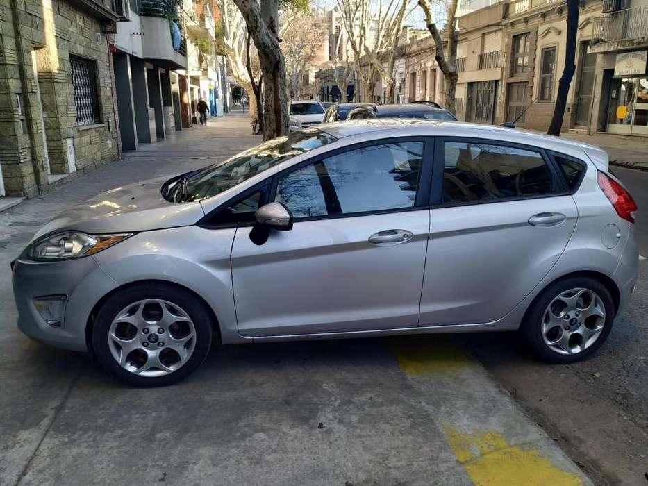 Ford Fiesta Kinetic 2011 - 120000 km