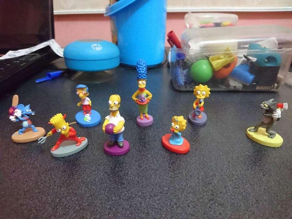 Colección de 8 Figuras de Los Simpsons