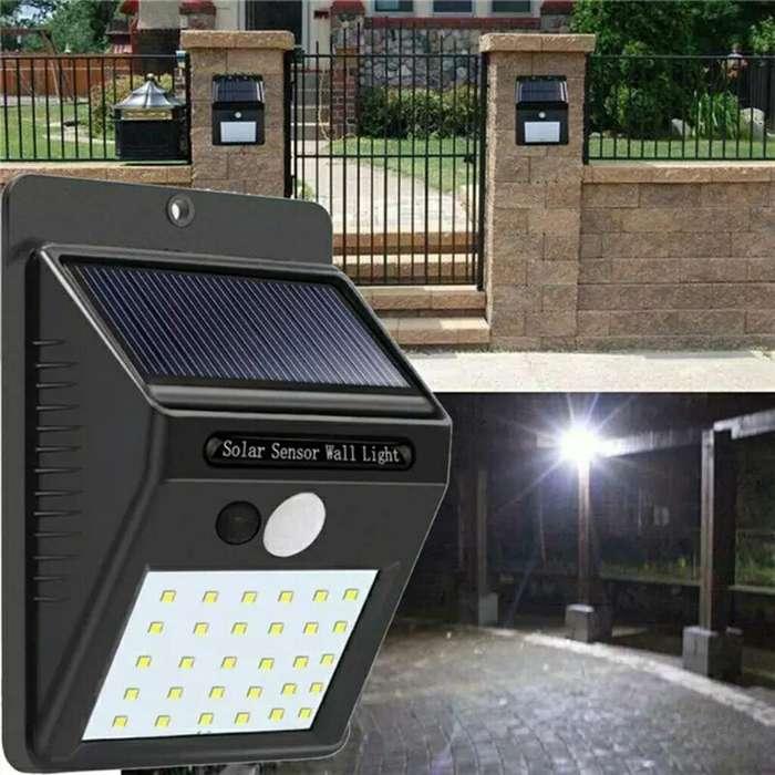 foco led solar para exteriores