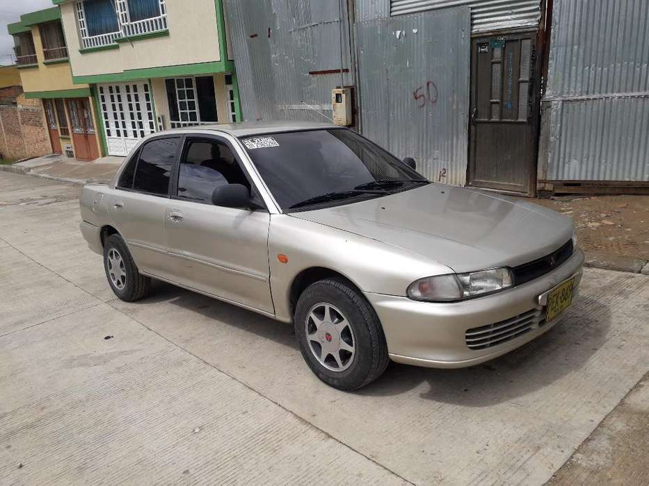 Mitsubishi Lancer 1997 - 10000 km