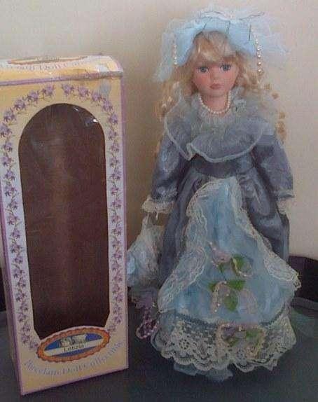 Muñeca porcelana coleccionable NUEVA