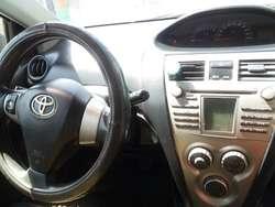 Toyota Yaris Modelo 2013