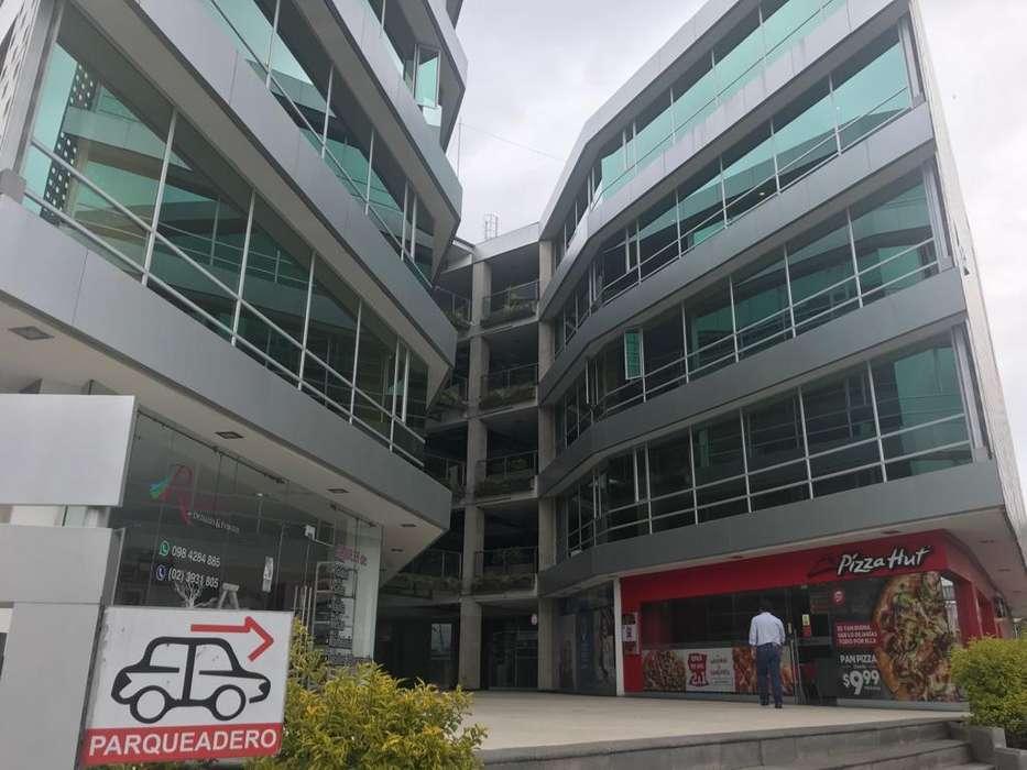 Alquilo Oficina (COMPARTIDA) en Cumbayá sector La Primavera Ag. Pablo Moran